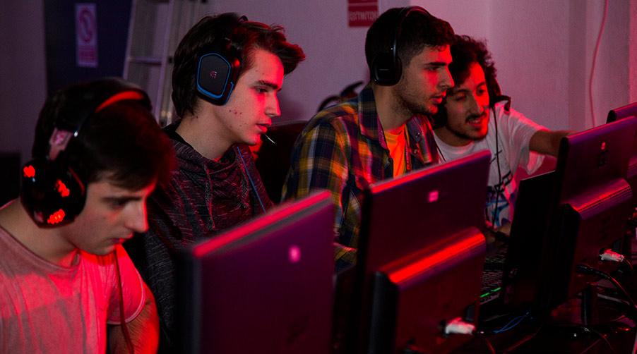Conoce el deporte del siglo XXI y el equipo de eSports de FX ANIMATION - Jugadores