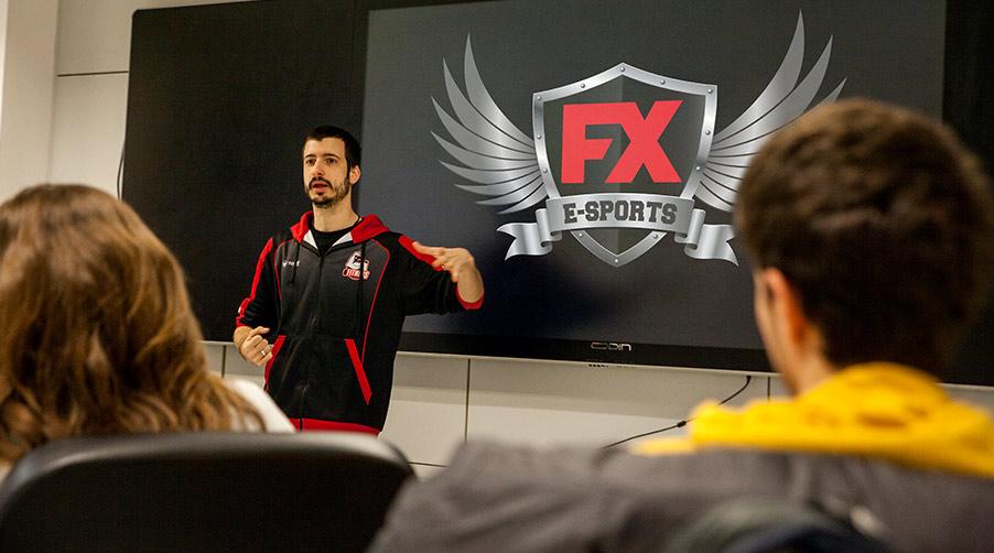 Conoce el deporte del siglo XXI y el equipo de eSports de FX ANIMATION - Miquel Llamas