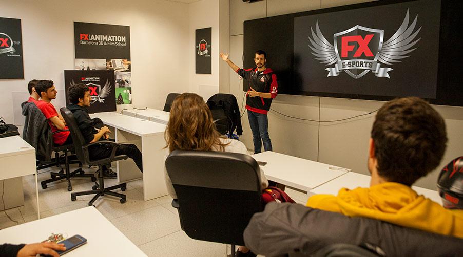 Conoce el deporte del siglo XXI y el equipo de eSports de FX ANIMATION - Reunión equipo